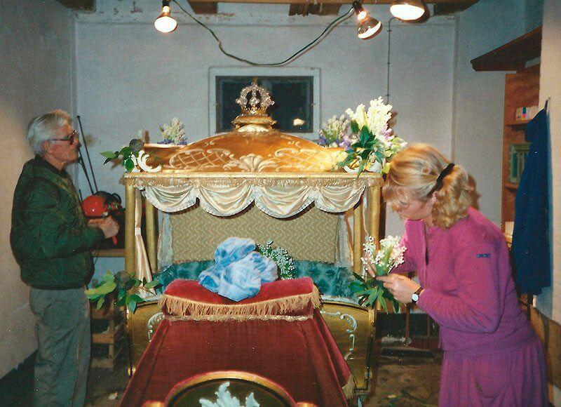 Kotillonvognen pyntes 1989