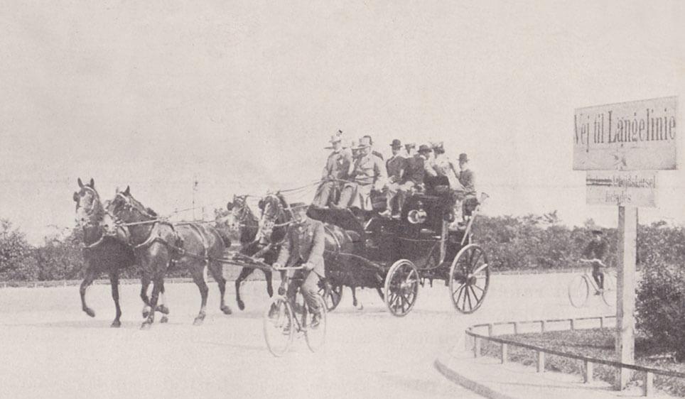 Hotel d'Angleterres mail-coachen undervejs til Skodsborg