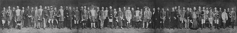 Gruppefoto af det samlede personale i Den kongelige Stald-Etat 1872.