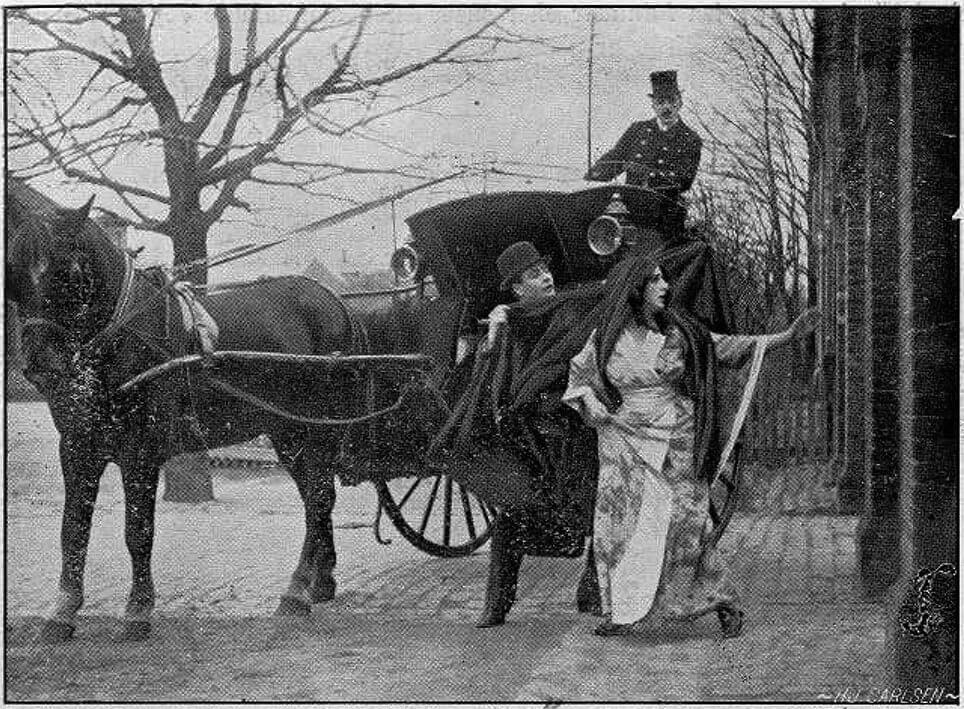 En Hansom Cab indgik i 1910 i spillefilmen Den hvide Slavehandel for at skabe den rette London-stemning.