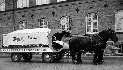 Carlsberg ølvogn med gummihjul